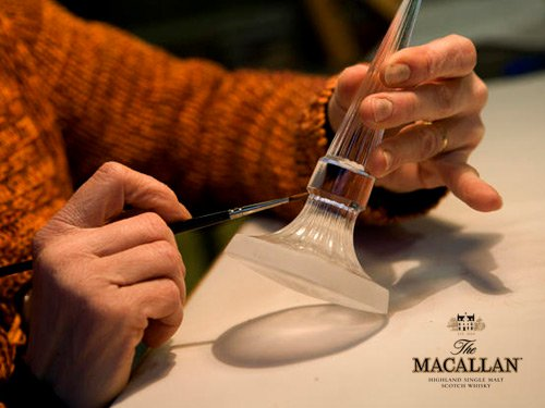 xthe_macallan_57_year_old_lalique_decanter_2.jpg.pagespeed.ic.x4pKjSFhxy