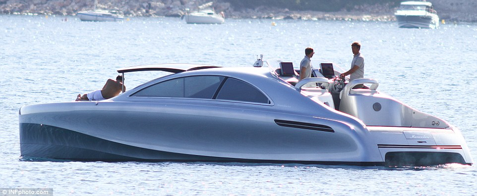 AD-Mercedes-Benz-Arrow-460-Granturismo-Yacht-03